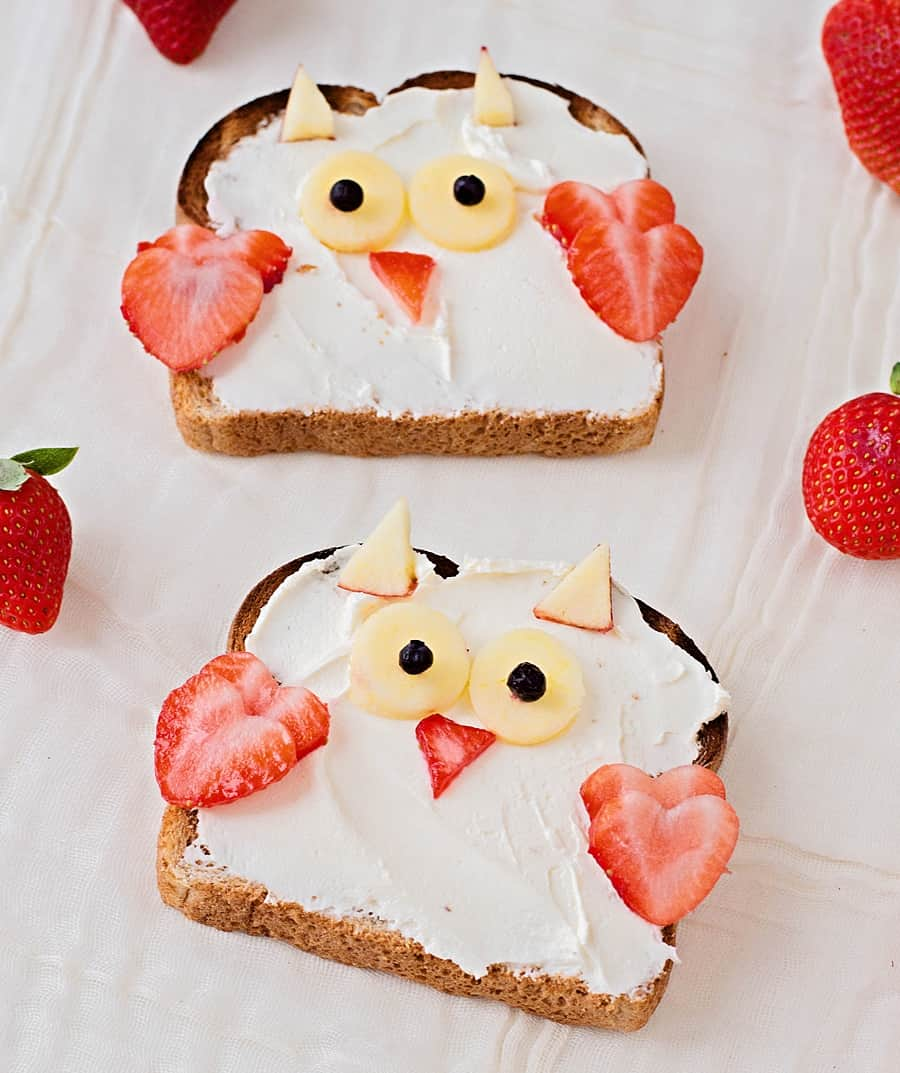 Make this cute Owl Animal Toast as a cute Valentine's Day breakfast or lunch or just to let your kids know you love them.