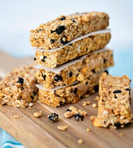 How to Make No Bake Blueberry Almond Granola Bars