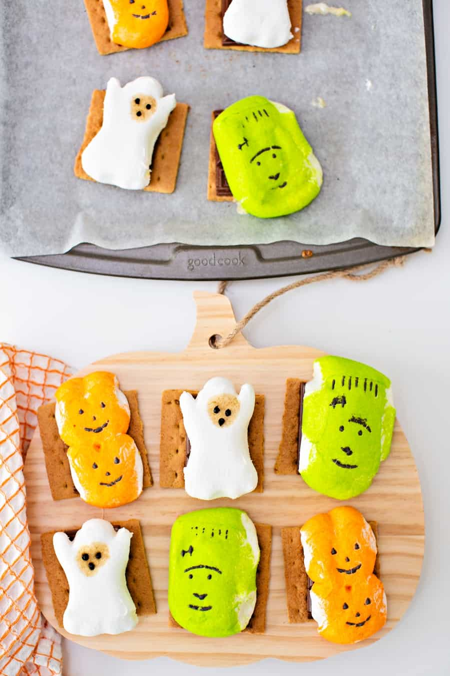Easy Halloween S'mores - cute Halloween treat for kids