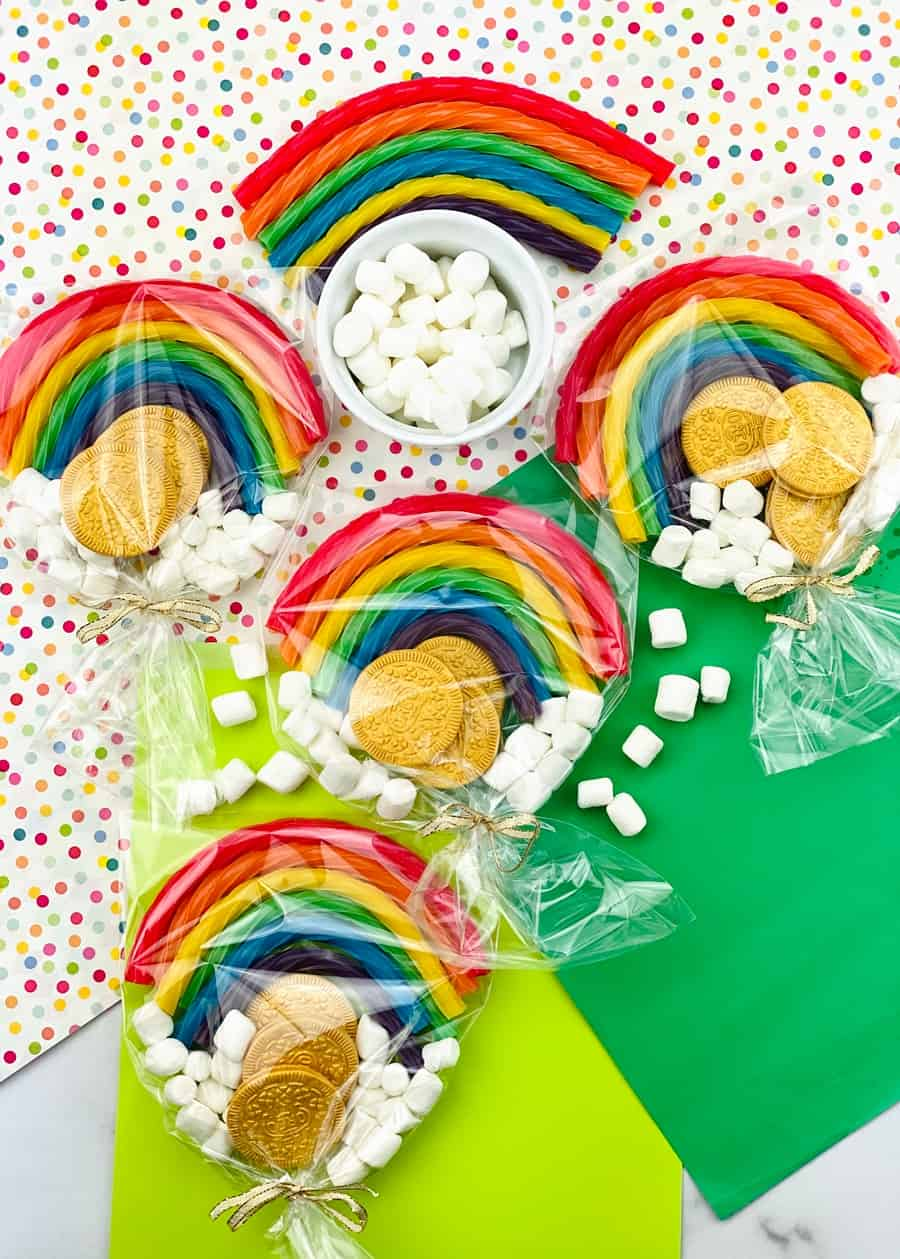 ST. PATRICK'S DAY FAVORS WITH EDIBLE GOLD COINS AND RAINBOWS