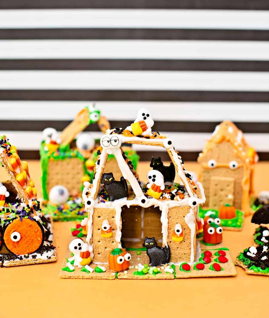 Graham Cracker Haunted Houses