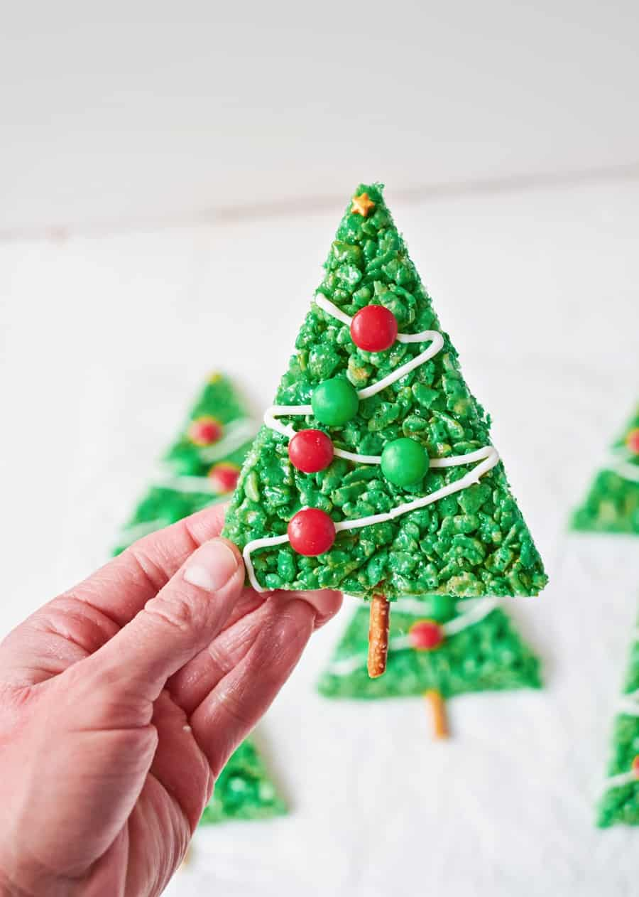 Rice Krispie Christmas Trees. Cute Christmas Treat for Kids