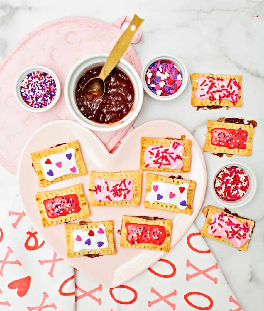 how to make mini Pop Tarts for a cute Valentine Day Treat