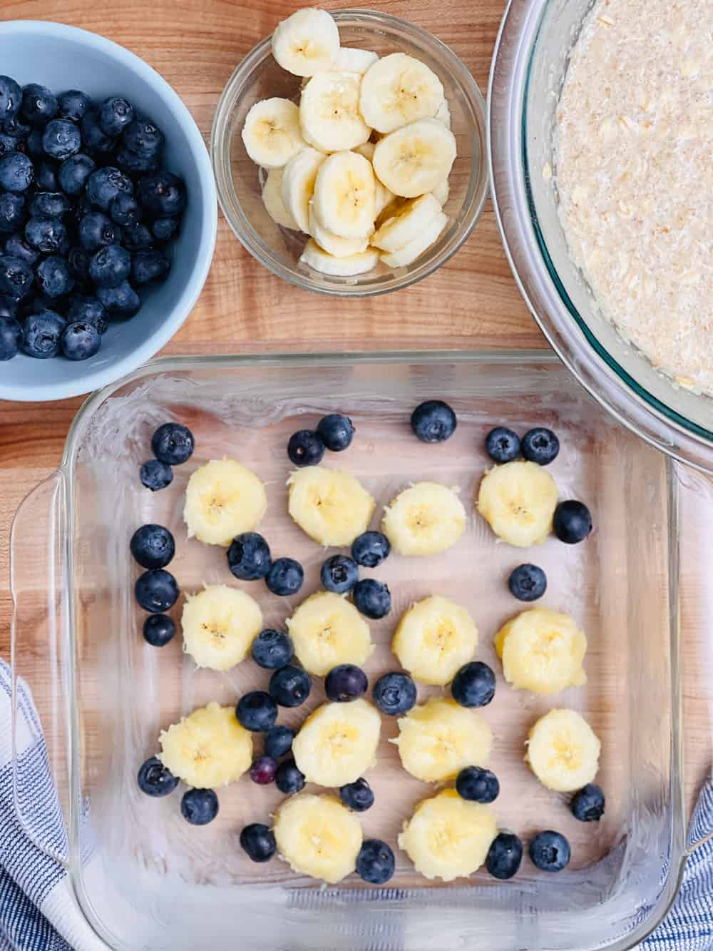 baked oatmeal cake made with blueberries and bananas