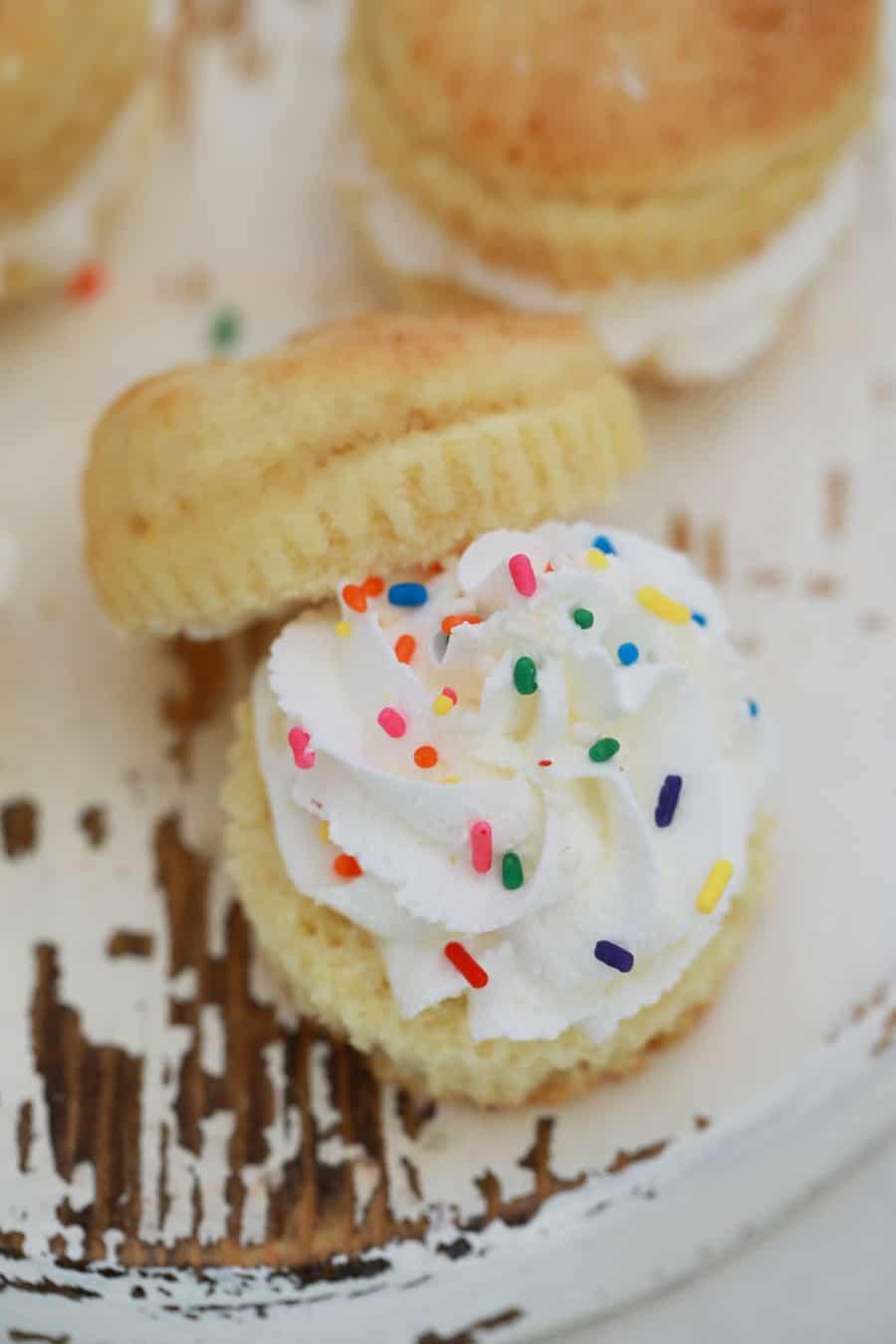 Cupcake Sandwich Food Hack