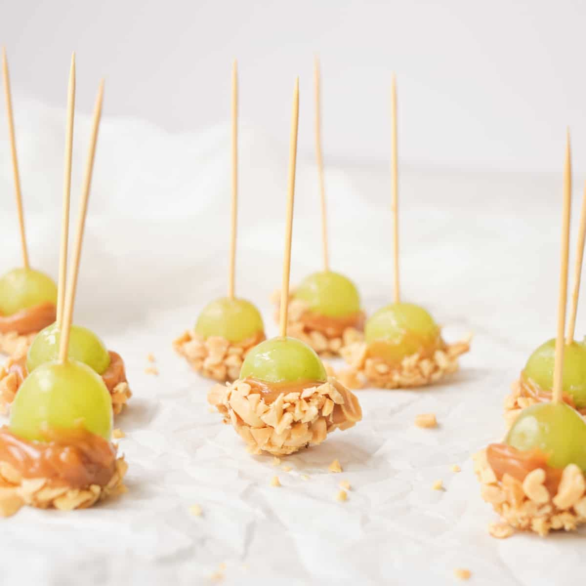 These Caramel Apple Grapes Are the Perfect Bite Sized Snack
